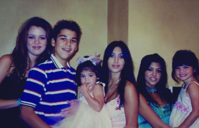 Khloé, Rob, Kylie, Kim, Kourtney e Kendall (Foto: Divulgação)