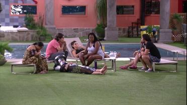 Roberta fala de admiração por Thiaguinho e Vivian pede: 'Me apresenta o Bruninho'