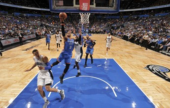 Westbrook sofre, mas faz 57 pontos, triplo-duplo, e Thunder vence Magic