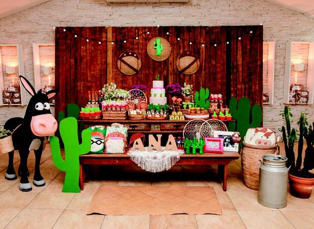 7. Mesa do aniversário de 4 anos da Ana Clara (Foto: Bruna Jacubovski)