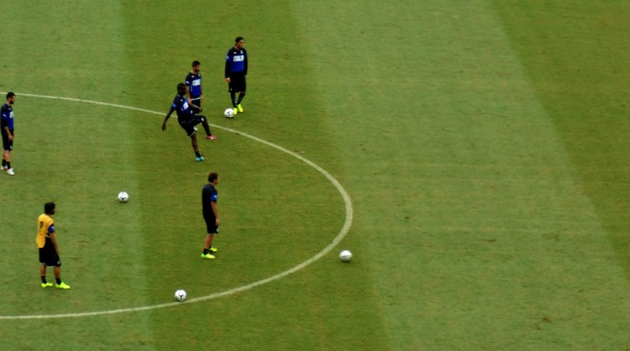 Jogadores Itália treino (Foto: Chandy Teixeira)