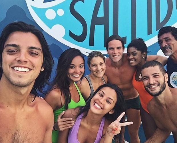 Rodrigo Simas faz selfie coletivo com técnicos e participantes (Foto: Arquivo Pessoal)