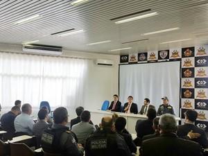 Reunião na SSP para mudança na Delegacia Geral do Maranhão. Sai Augusto Barros e entra Lawrence Pereira (Foto: Divulgação/ Polícia Civil)