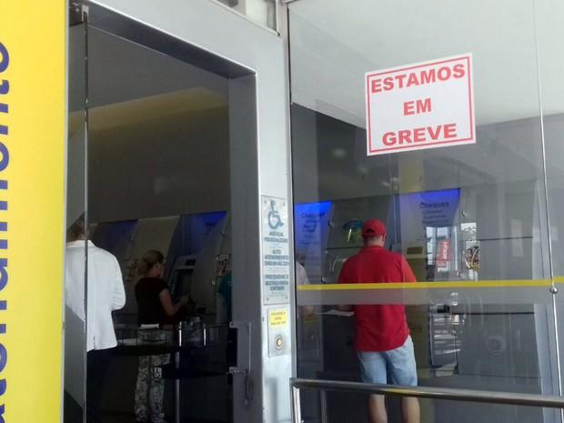 Banco do Brasil, greve dos bacários, Pouso Alegre, Sul de Minas (Foto: Daniela Ayres/G1)