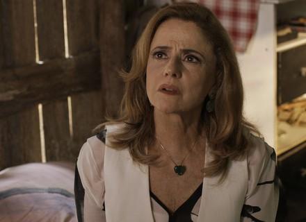Sophia descobre que Mariano está namorando