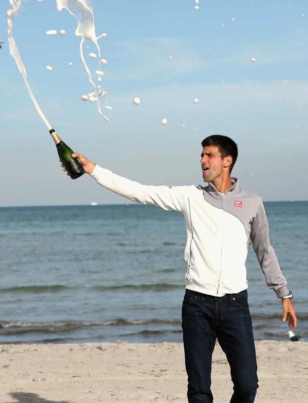 Novak Djokovic comemora com estilo em Crandon Park (Foto: Clive Brunskill/Getty Images)