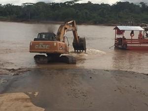 Máquina foi usada para fazer a limpeza da rampa em Rodrigues Alves  (Foto: Saulo Vasconcelos/Arquivo pessoal )
