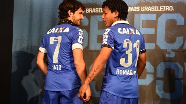 Corinthians lança camisa azul para lembrar o dia em que foi Brasil ... 8c6429ca402eb