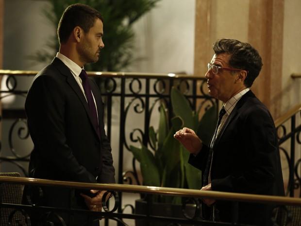 Será que Maurílio está mesmo disposto a tudo pela parceira com Téo?  (Foto: Inácio Moraes/Gshow)