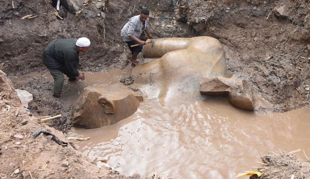 Arqueólogos encontram possível estátua de Ramsés II em favela do Egito
