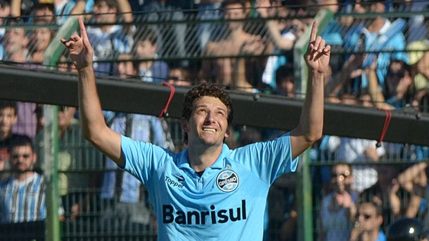 Elano gol Grêmio x Figueirense (Foto: Petra Mafalda / Futura Press)