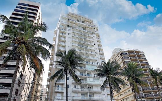 O condomínio Solaris,no Guarujá,e a reportagem de ÉPOCA.Os imóveis só causam (Foto: Michel Filho / Ag. O Globo)