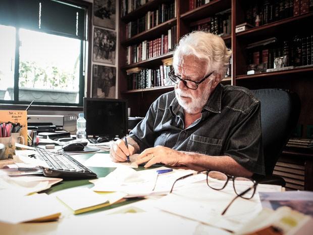 Manoel Carlos sempre aborda em suas novelas temas presentes no cotidiano (Foto:  Pedro Curi/TV Globo)