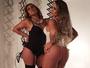 Rita Cadillac posa para ensaio sensual com a afilhada, Cleo Cadillac