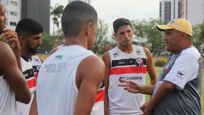 Higor César técnico Santa Cruz de Natal (Foto: Diego Simonetti/Santa Cruz)
