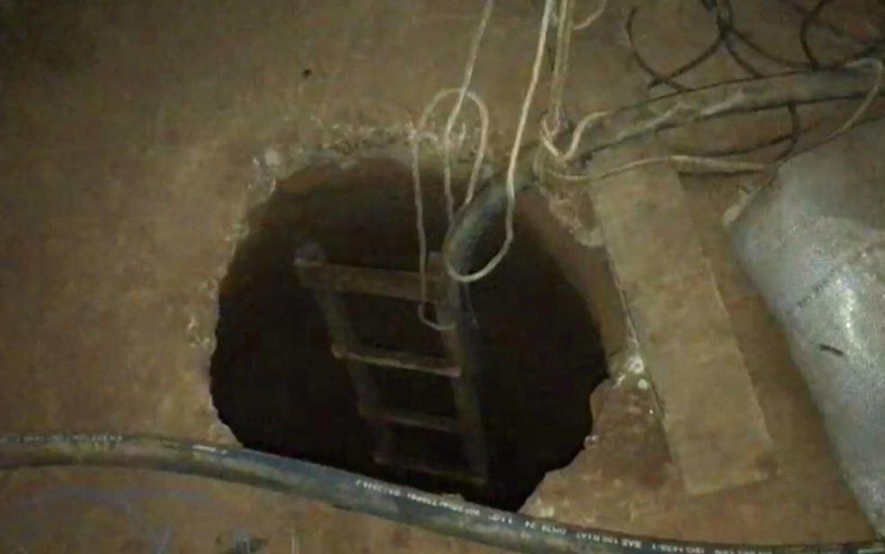 Buraco em alojamento de Artur Nogueira levava a túnel onde combustível era furtado da Petrobras (Foto: Reprodução / EPTV)