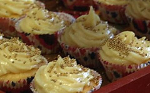 Cupcakes de chocolate e de coco