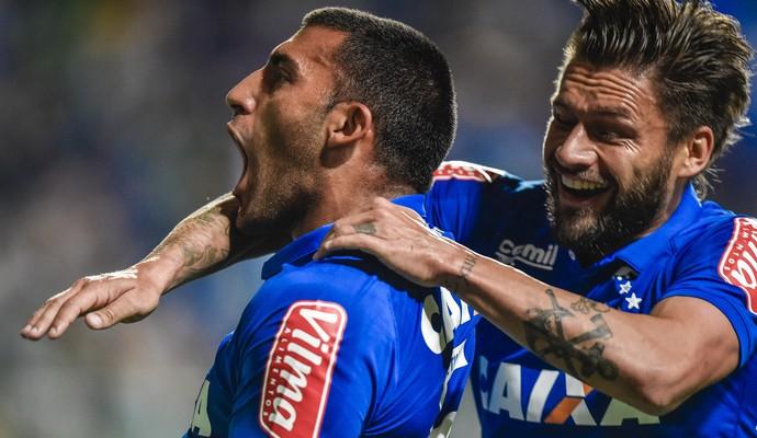 Ramón Ábila; Rafael Sobis; Cruzeiro (Foto: Pedro Vilela/Light Press)