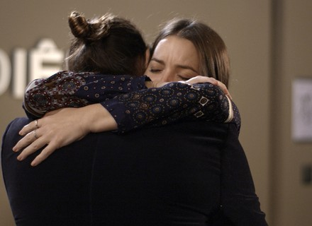 Gui depõe a favor de Júlia e emociona a todos
