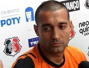 Fernando Gaúcho, atacante do Santa Cruz (Foto: Bruno Marinho / GloboEsporte.com)