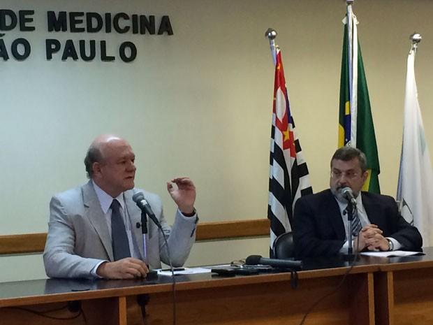 Dr. Braulio Luna Filho, 1º secretário e coordenador do exame e Dr. Renato Azevedo Júnior, presidente do Cremesp (Foto: Cauê Fabiano/G1)