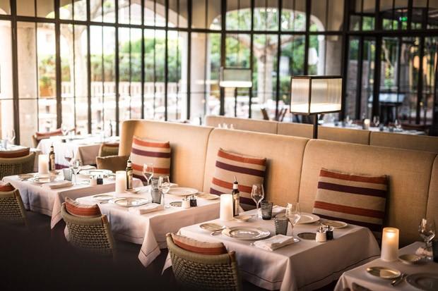 Interior do restaurante Rivea, do chef Alain Ducasse (Foto: Divulgação)