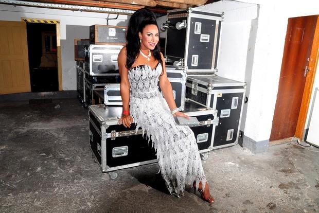 Ava Simõe snos bastidores do concurso Miss Brasil Gay 2013 (Foto: Roberto Teixeira/EGO)