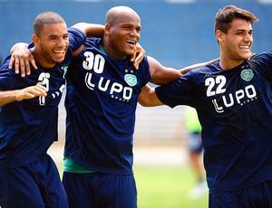Bruno Peres, Domingos e Ronaldo do Guarani (Foto: Marcos Ribolli / Globoesporte.com)