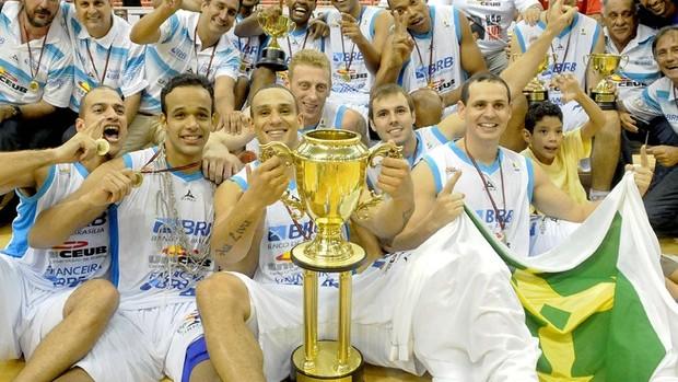 Brasília campeão da Liga Sul-Americana 2010 (Foto: Alexandre Vidal)