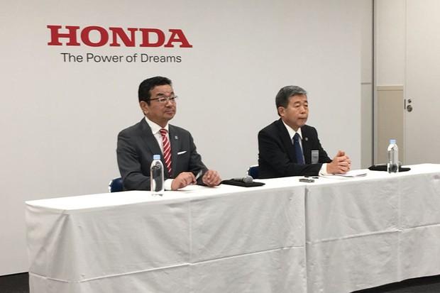 Takahiro Hachigo, presidente mundial da Honda, e Issao Mizoguchi, presidente da Honda para a América do Sul (Foto: Autoesporte)