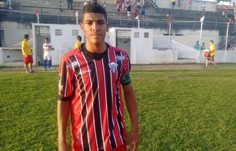"""Volante Joabson lamenta derrota e eliminação do Serra: """"time ansioso"""""""
