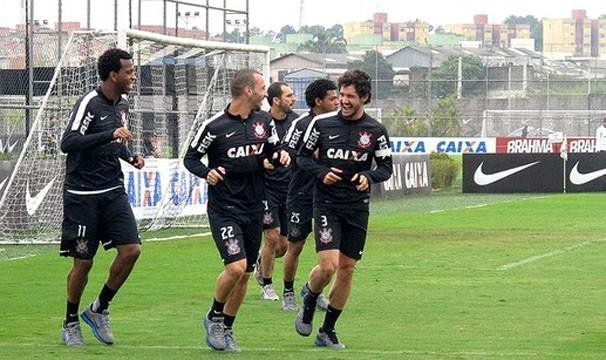 Time do Corinthians treina para jogo contra o Cruzeiro (Foto: Rodrigo Faber/Reprodução:Globoesporte.com)