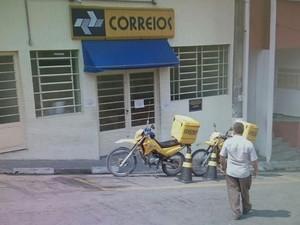 Agência dos Correios Nazaré Paulista (Foto: Lucas Rangel/TV Vanguarda)