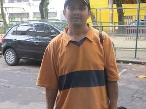 Valdomiro é ex-cobrador (Foto: Lívia Torres/G1)