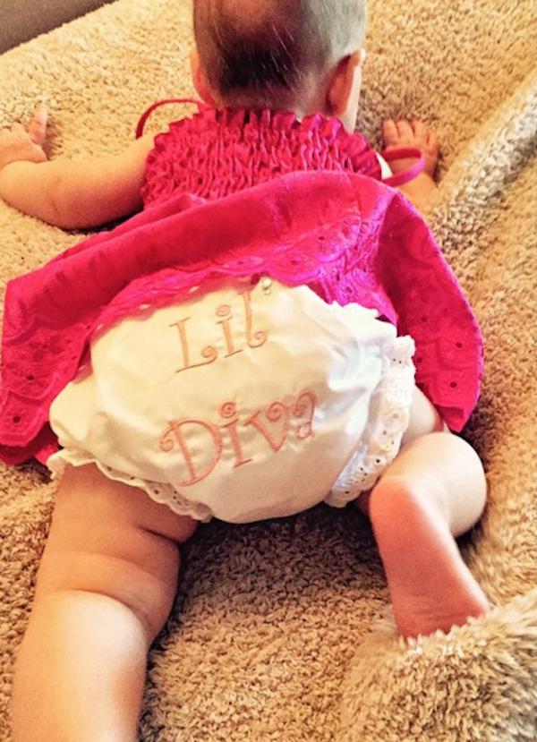 A primeira foto da filha de Christina Aguilera (Foto: Instagram)