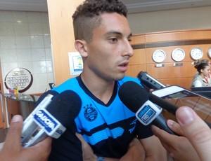 Alex Telles lateral-esquerdo Grêmio (Foto: Tomás Hammes / GLOBOESPORTE.COM)