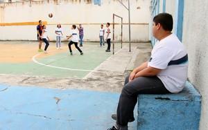 Alunos tentam virar o jogo e superar o bullying em escola (Rede Globo)