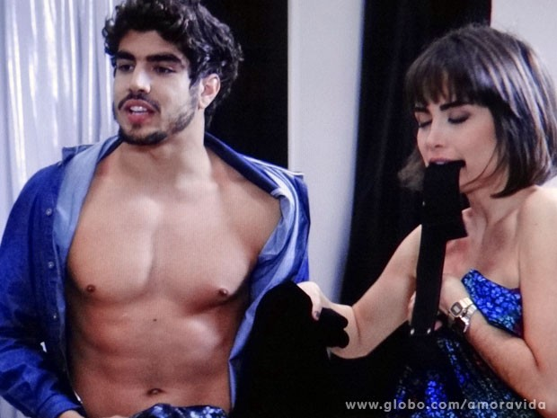 Michel e Patrícia estão em uma maré de azar daquelas (Foto: Amor à Vida/TV Globo)