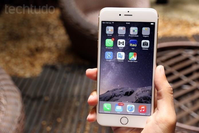 iPhone 6 tem recurso que deixa as letras do celular em negrito (Foto: Lucas Mendes/TechTudo)