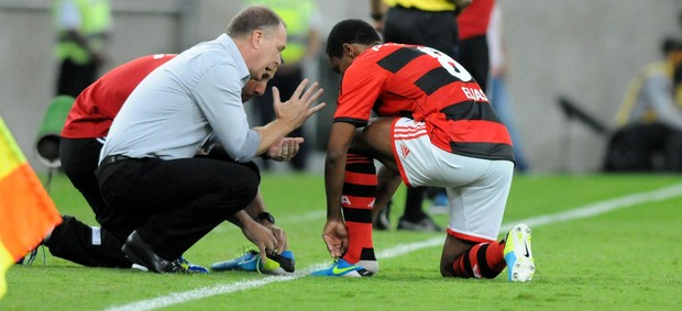 Mano Menezes Elias Flamengo  (Foto: André Durão / Globoesporte.com)