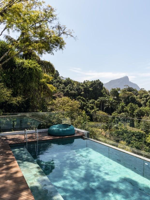 Casa no Rio mistura paisagem natural exuberante e extensa coleção de arte (Foto: Fran Parente)