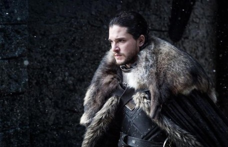 O tal pacto teria sido feito por um Stark, que, segundo a teoria, se casou com uma 'noiva-cadáver' para selar a paz entre humanos e walkers. Assim, Jon teria sangue de caminhante branco, o que explicaria, entre outros pontos, sua resistência ao frio HBO