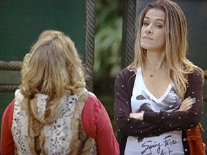 Tina reencontra Madá (Foto: Sangue Bom / TV Globo)
