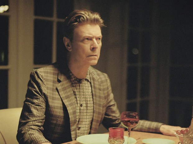 O cantor britânico David Bowie é visto em fevereiro de 2013 no videoclipe lançado juntamente com o single 'The stars (are out tonight)' (Foto: Floria Sigismondi/The Stars (are out tonight)/AFP/Arquivo)