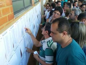 Cerca de 1200 candidatos prestam o Exame da Ordem no Piauí (Foto: Ellyo Teixieira/ G1)