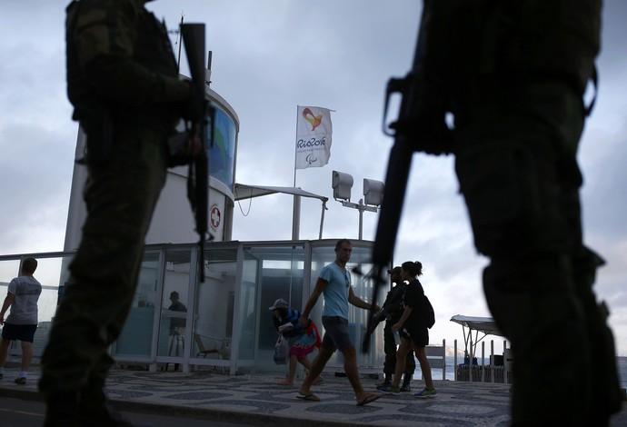 Jogos Olímpicos Rio segurança praia Ipanema (Foto: REUTERS / Nacho Doce)
