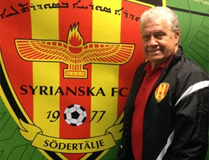 Cabralzinho técnico Carlos Roberto Ferreira Cabral Syrianska FC Suécia (Foto: Divulgação / Syrianska FC)