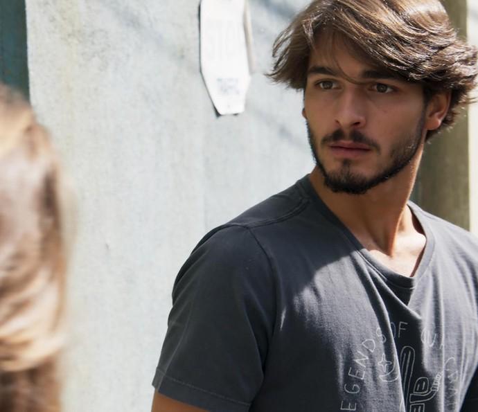 Roger é grosso com Flávia (Foto: TV Globo)