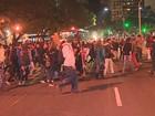 Estudantes de escolas ocupadas fazem protesto em Porto Alegre
