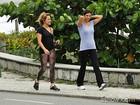 Vivianne Pasmanter e Helena Ranaldi rodam cenas de 'Em Família' na orla do Rio
